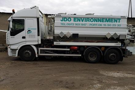 camion hydrocureur de l'entreprise JDO